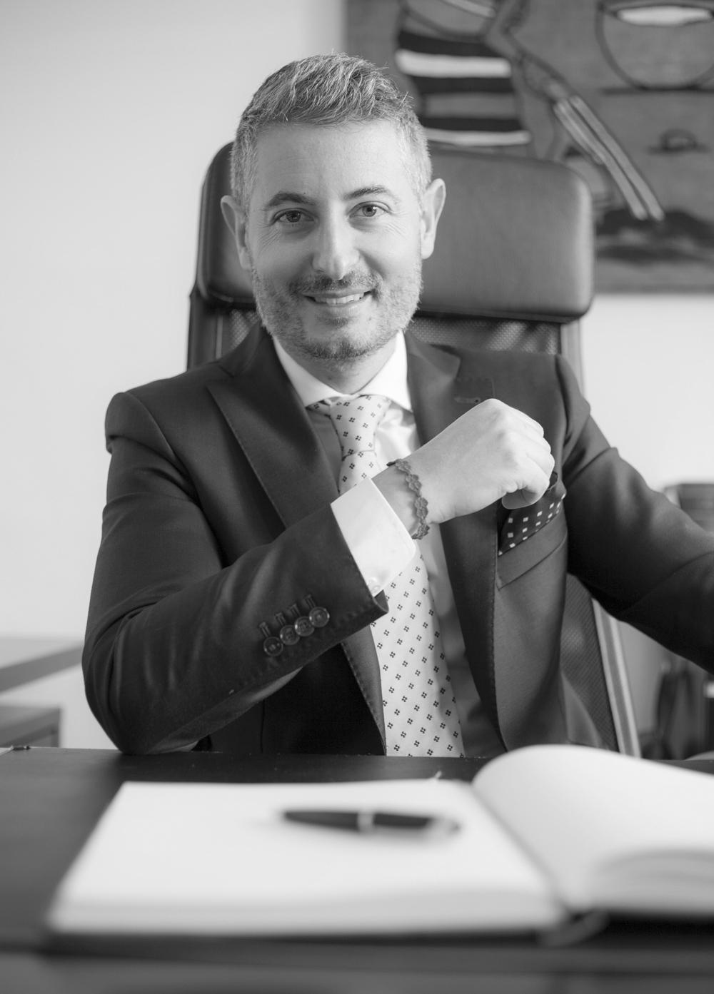 https://www.studiolegalepierotti.it/wp-content/uploads/2019/04/Nicola_Pierotti_bn.jpg